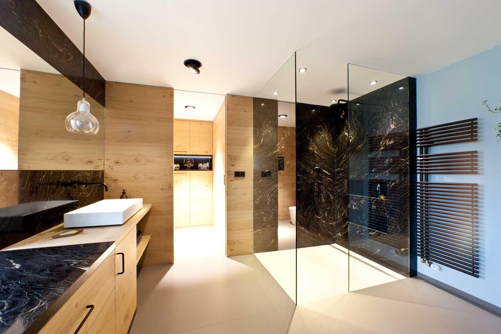 Naturstein & Holz, Materialien zeitlos kombinieren | Marmor Radermacher