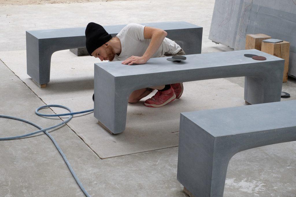 Der Künstler bei der Arbeit