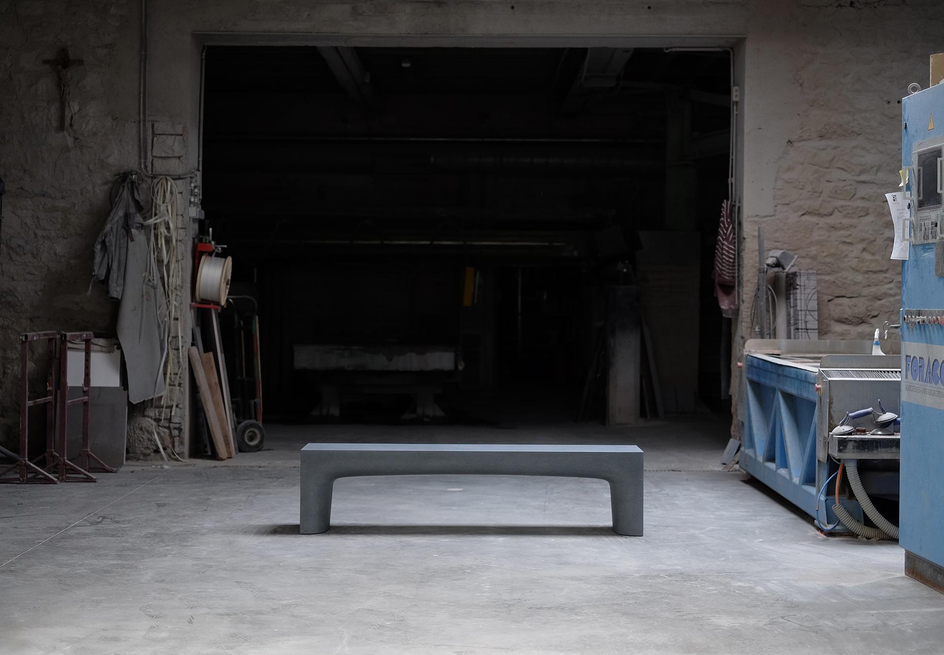 Sitzbank aus Blaustein - Design by Matthias Kohn