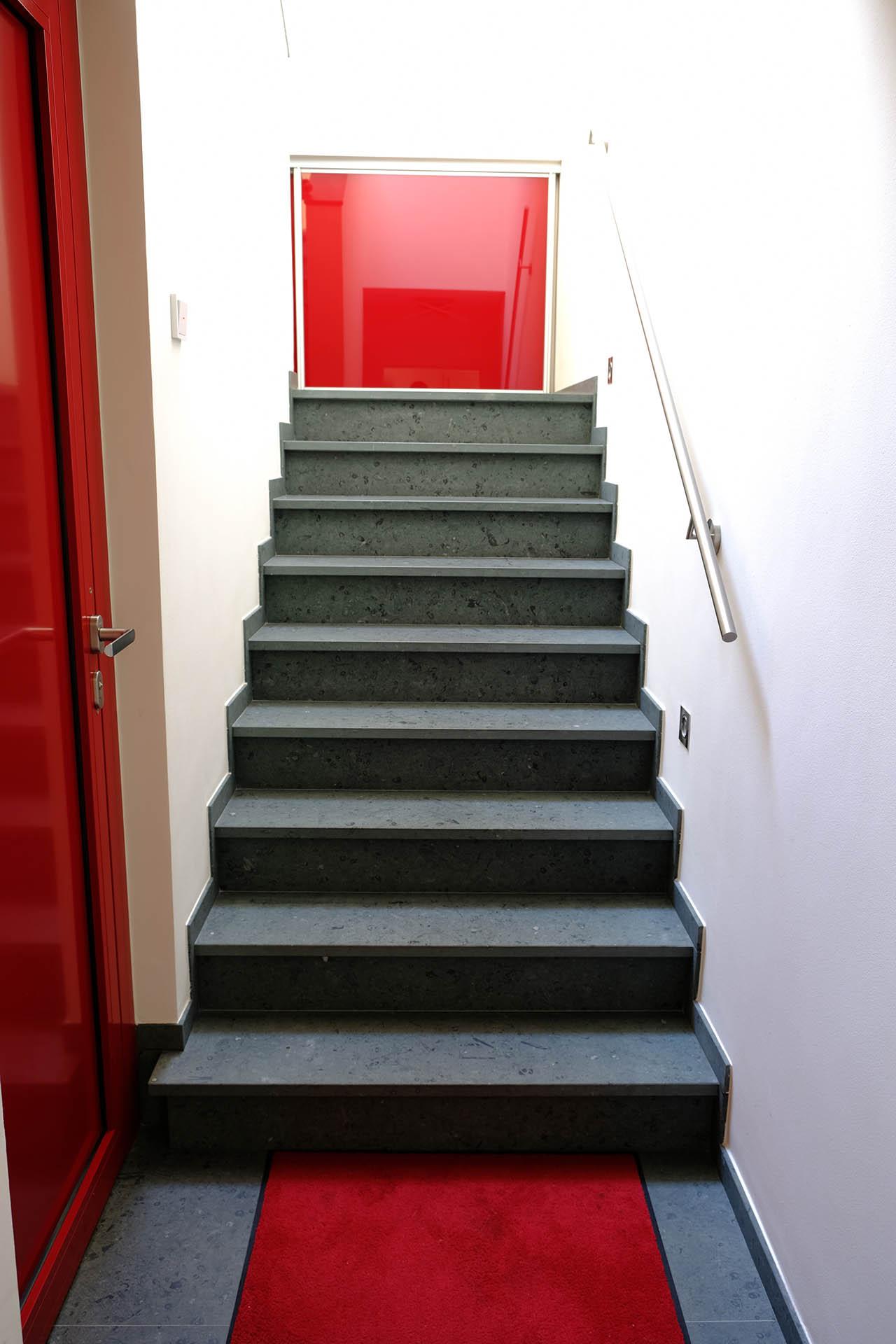 treppe_2_anroechter_dolomit_marmor_radermachrer_escalier