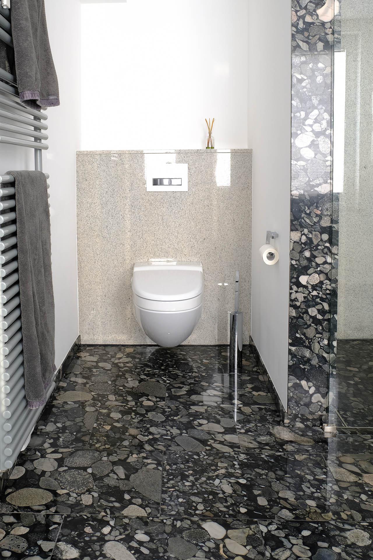 wcl_marmor_radermacher_nero_marinace_imperial_white_badezimmer_salle_de_bain_douche_dusche_waschtisch_lavabo