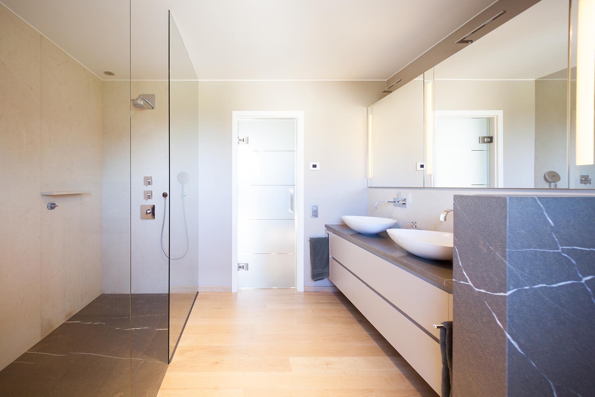 Aktuelle projekte von marmor radermacher marmor radermacher for Aktuelle badezimmer fliesen