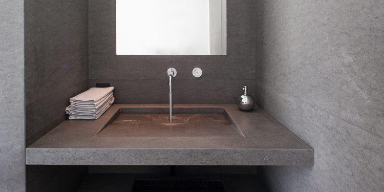 Gäste WC Waschbecken aus Basaltina