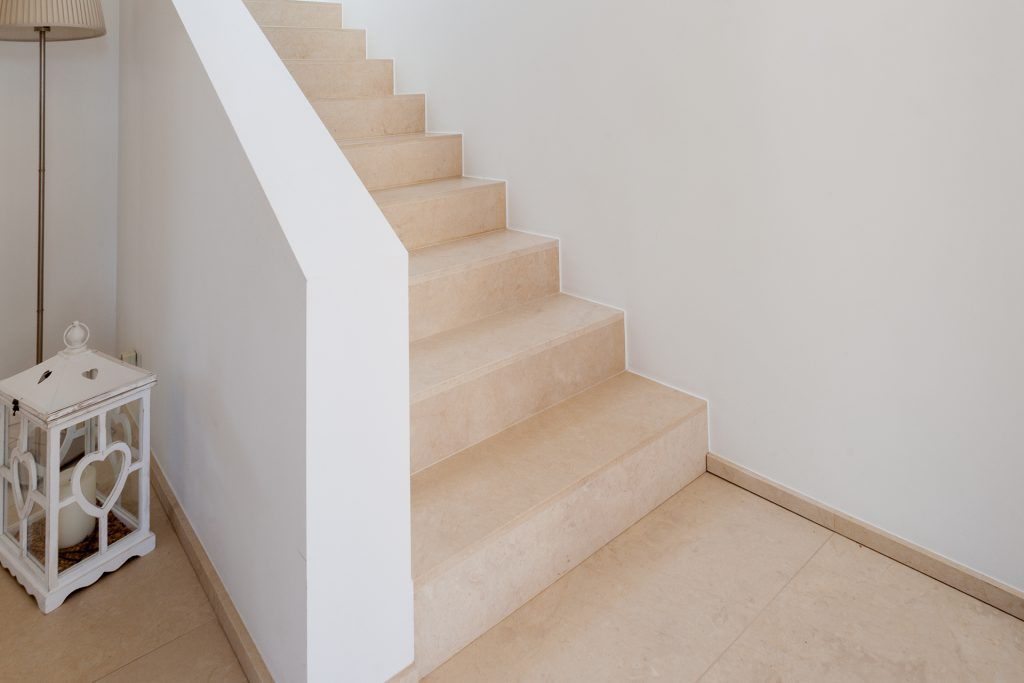 marmor_radermacher_kalkstein_treppe_escalier_pierre_calcaire_eupen_ostbelgien_aachen_düsseldorf_köln_liege