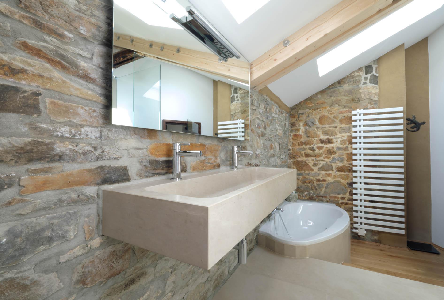 Indiviudelle Badgestaltung mit Naturstein