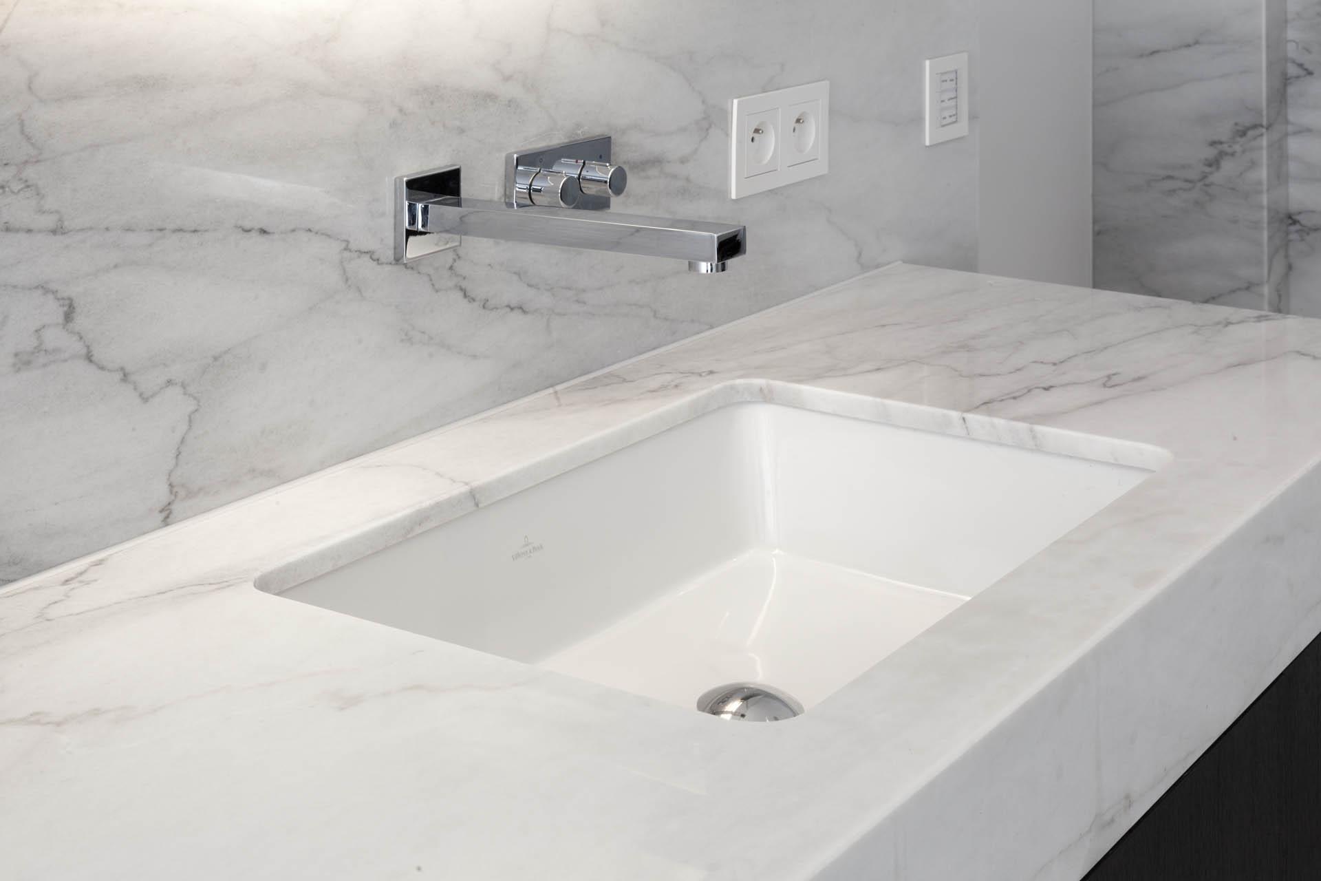 Marmor Waschtisch aus Calacata Extra