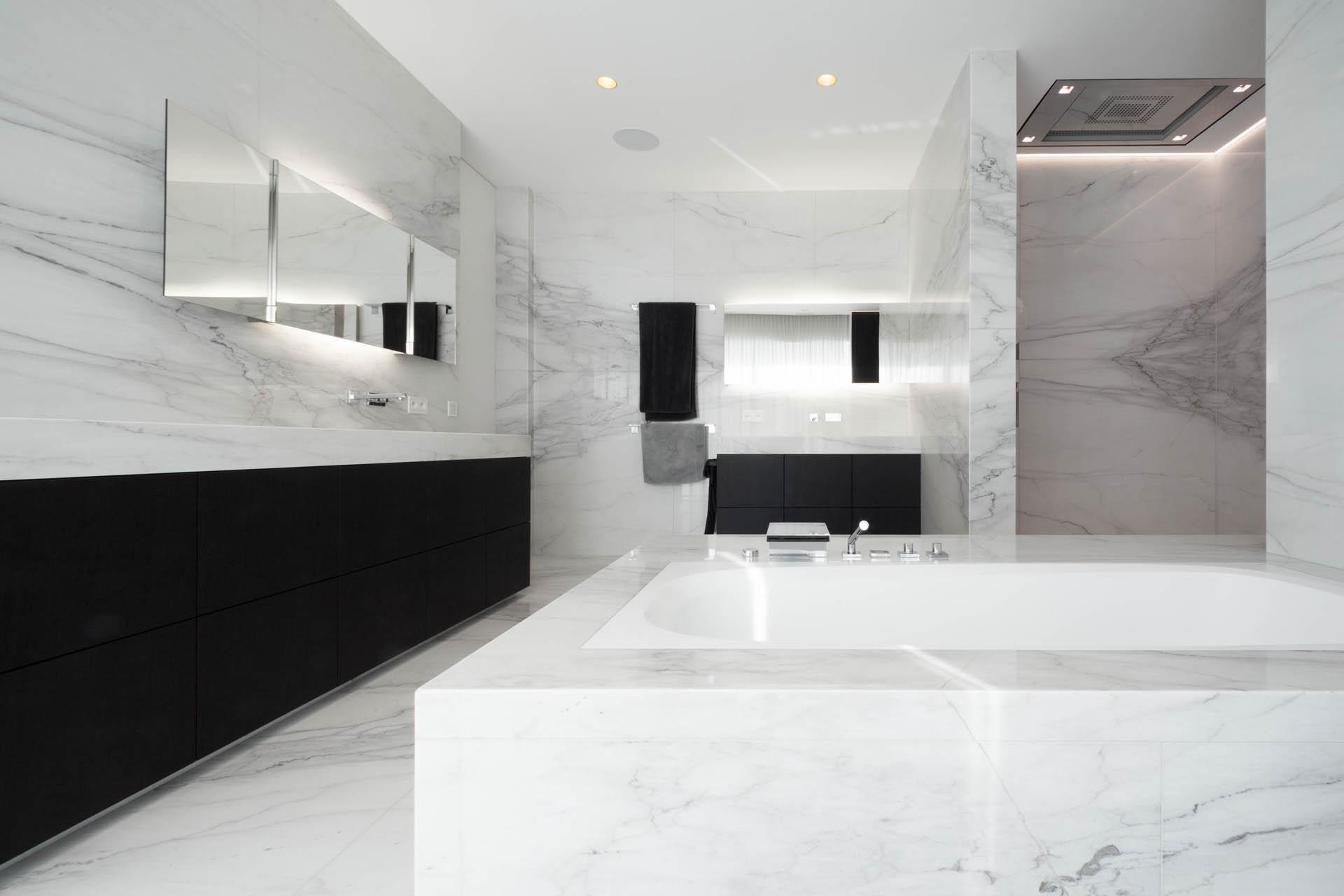 Badmöbel mit Naturstein - Badgestaltung für höchste Design Ansprüche aus einzigartigen Marmoren