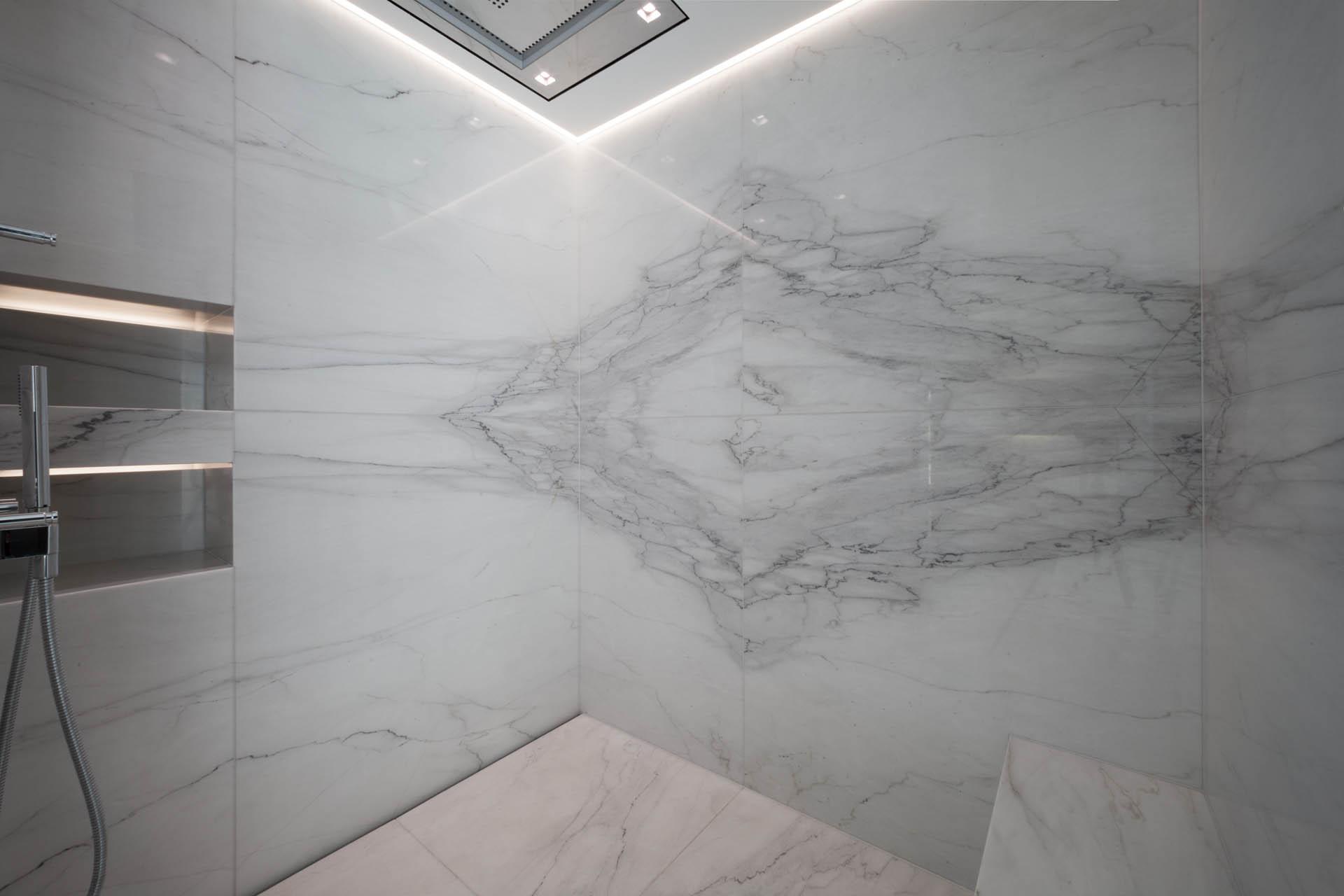 marmor_radermacher_calacatta_dusche
