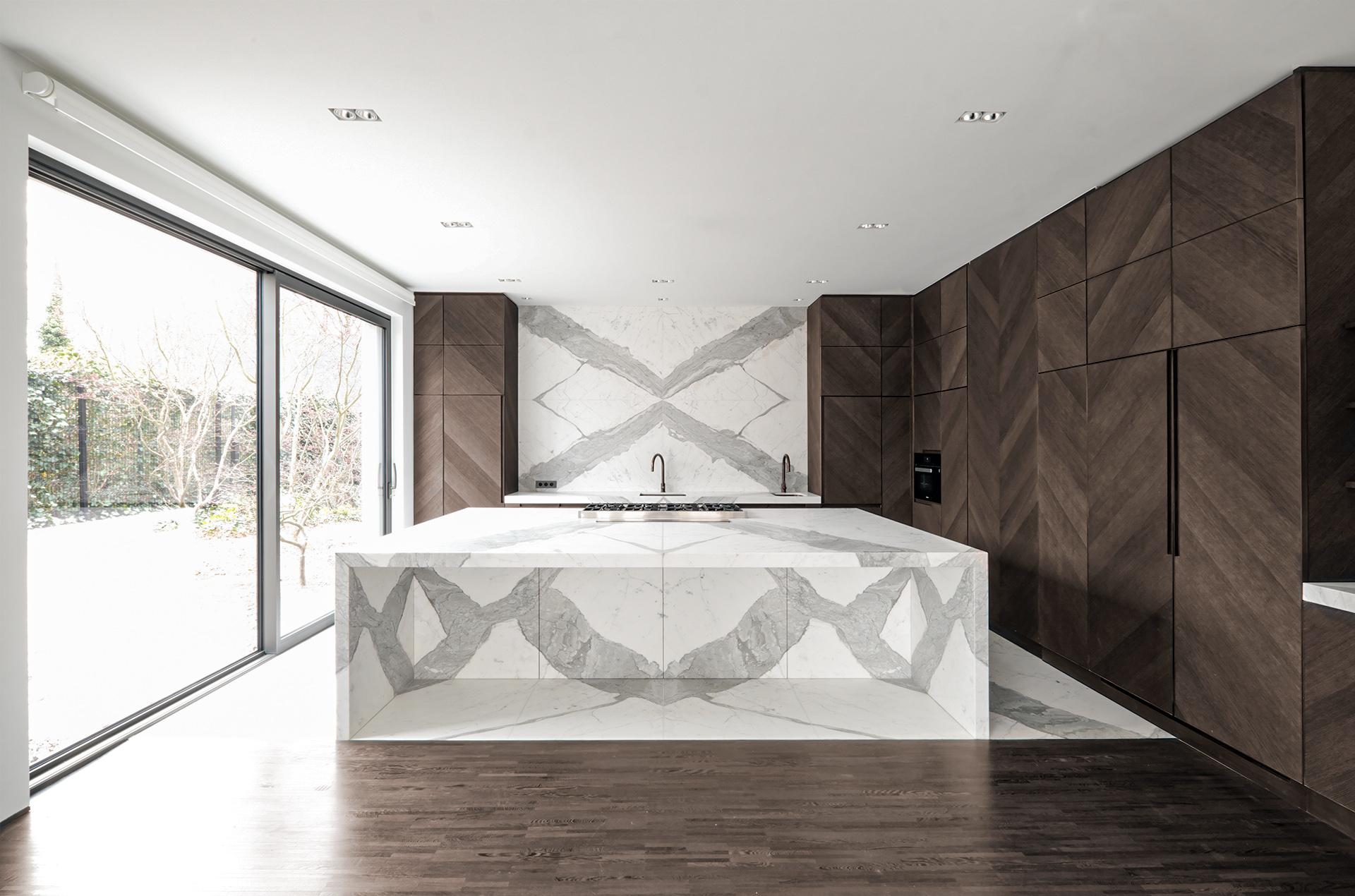 Marmor_Radermacher_Cuisine_Kueche_Statuario_weißer_Marmorkueche_marbre_blanc_white_marble_kitchen_03